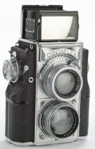 The Zeiss Ikon Contaflex from 1935 was the basis for the Yallu Flex, and most likely looked very similar.