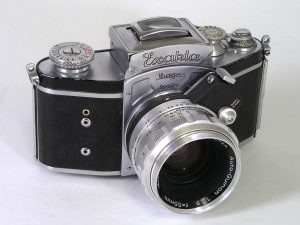 This prewar Kine Exakta from 1938 has a fixed viewfinder, but otherwise looks very similar to later models.