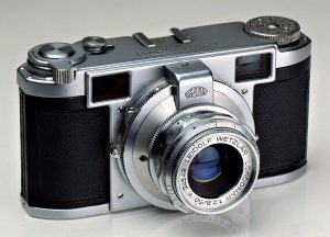 This is an example of an earlier model Lordomat with the red rangefinder patch.