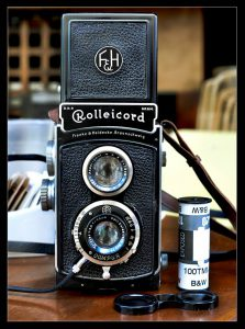 This Rolleicord Ia Model 1 from around 1937 bears a striking resemblance to the original Ciro Flex Model A.