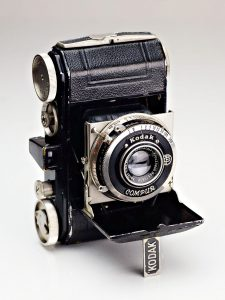 The Kodak Retina type 117 from 1934 was Kodak's first 35mm camera designed for their new 135 film format.