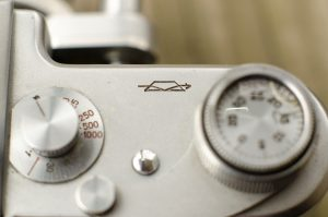 The speed selector on the Start is very similar to that of the Zorki rangefinder.