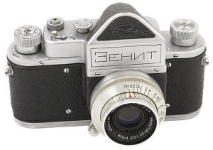 An early Zenit from around 1952 shows a striking similarity to the Zorki rangefinder.