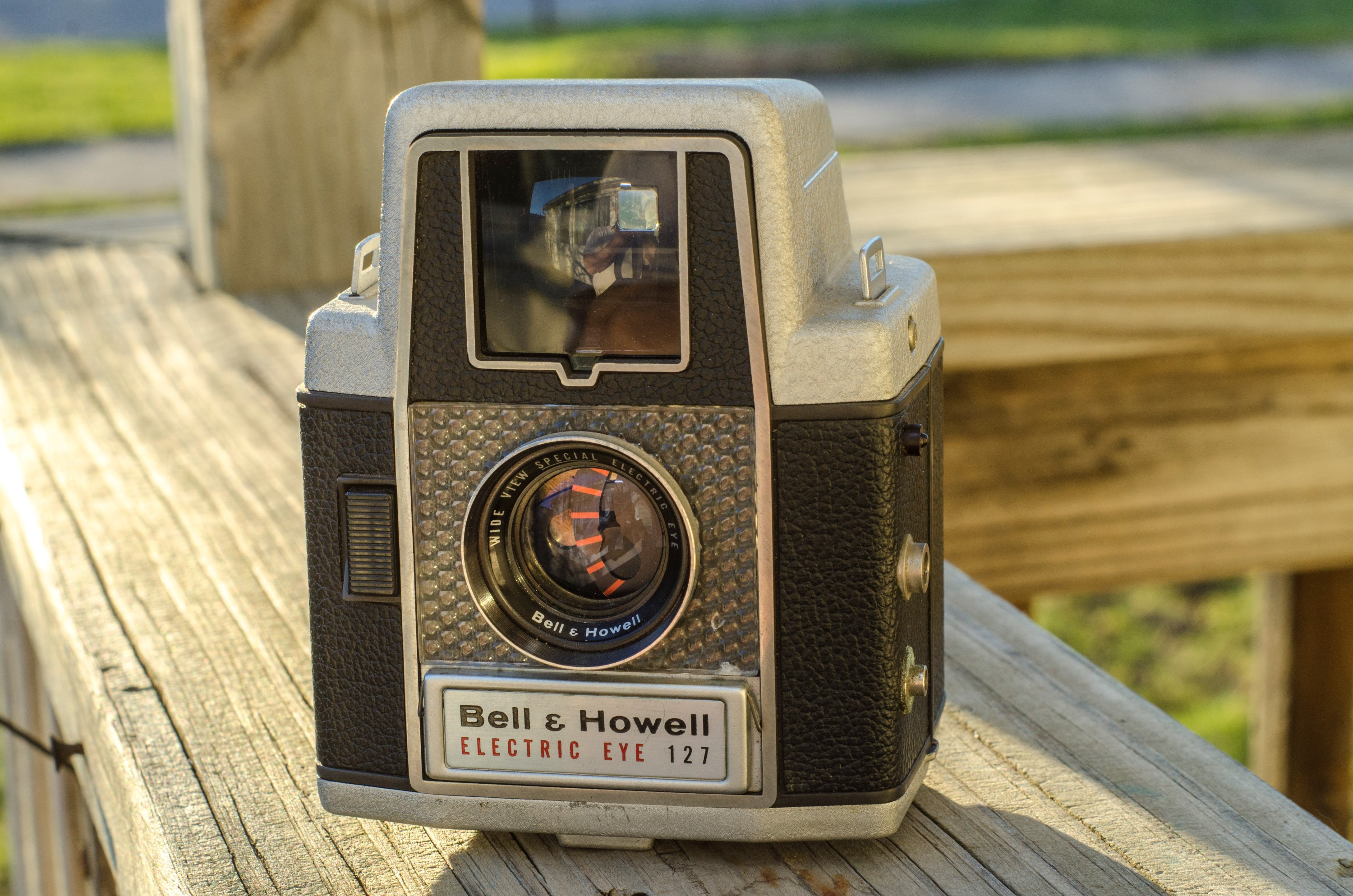 Bell & Howell Electric Eye 127 (1958)