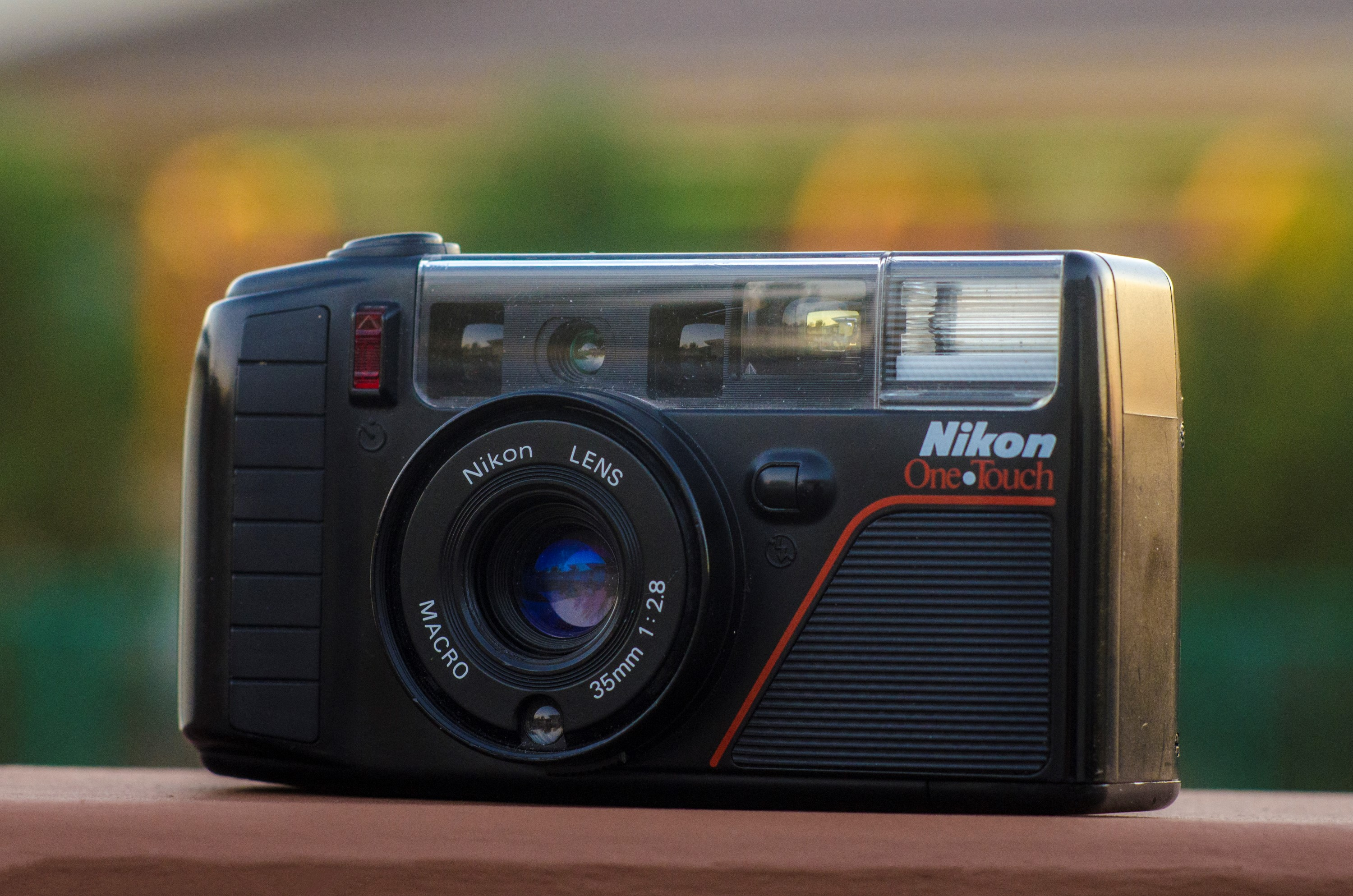 Nikon One Touch AF3 (1987)
